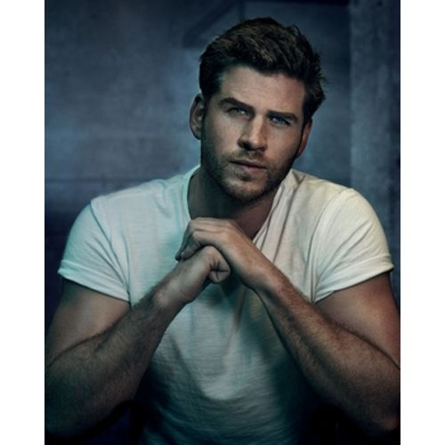 Pub Only The Brave Extreme with Liam Hemsworth